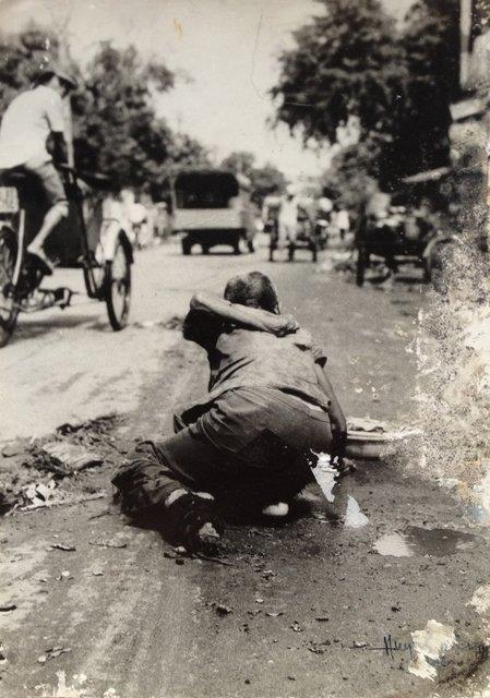 Hình 14. Dấu vết. Huỳnh n. Dân, 1989