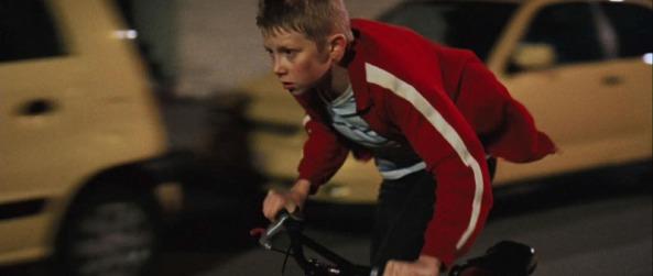 La gamin au vélo (2011) 01
